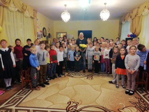 Состоялась встреча с известным детским писателем — Постниковым В.Ю